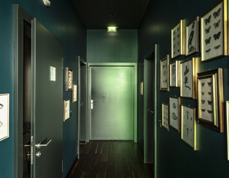 030_DE_Brown-Sanitäreinrichtung