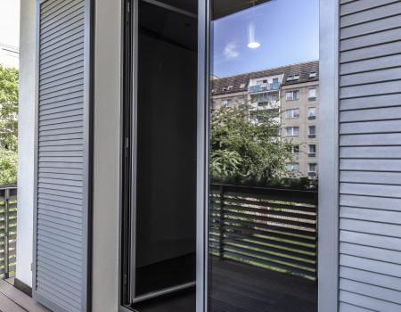 030_DE_Austin-Balkon