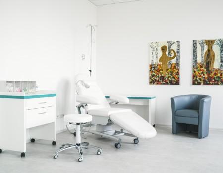 030_DE_Dexter-Behandlungsraum 2