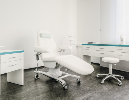 030_DE_Dexter-Behandlungsraum