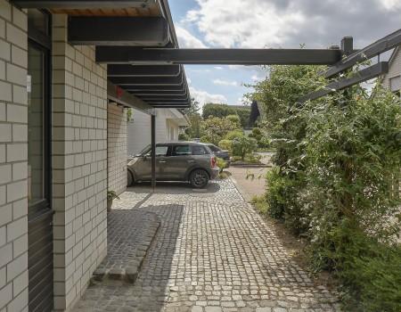 030_DE_Tito-Eingang