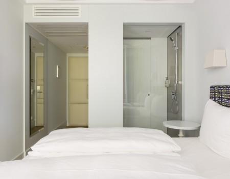 030_DE_Renja-Hotelzimmer 2