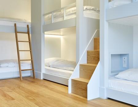 030_DE_Renja-Hotelzimmer