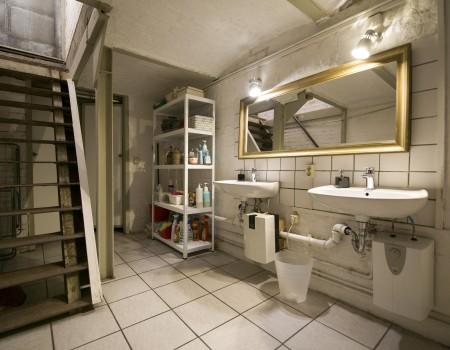 030_DE_Jonathan-Sanitäreinrichtung