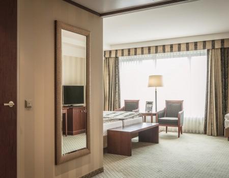 030_DE_Brina-Hotelzimmer 2