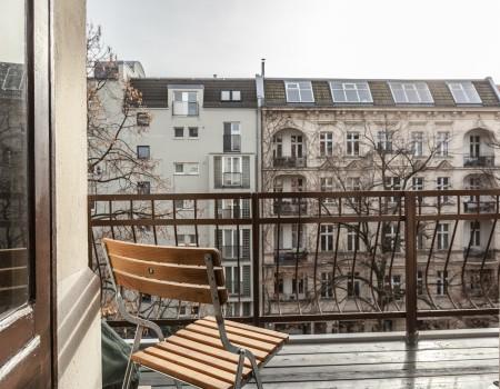 030_DE_Aram-Balkon