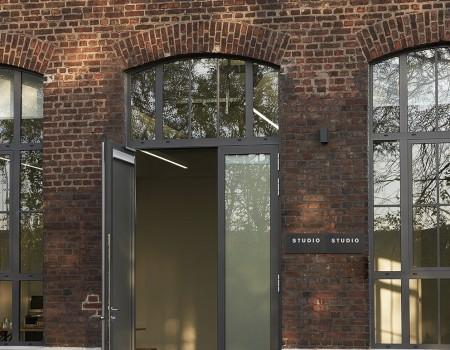 030_DE_Cary-Eingang