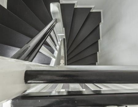 030_DE_Isao-Treppe 2