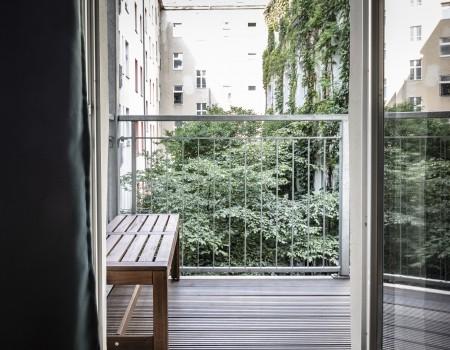 030_DE_Gillian-Balkon