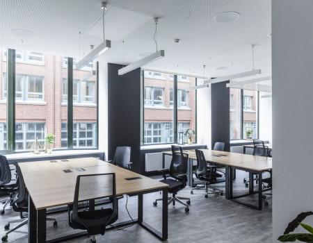 067_DE_Mustafa-Büro