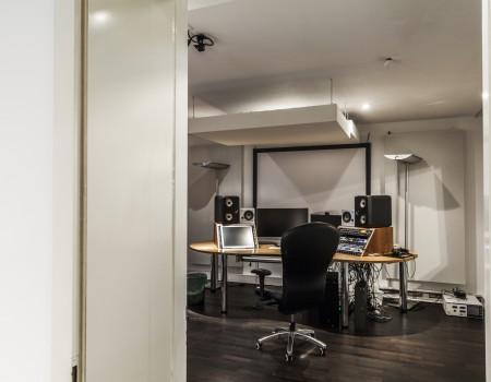 067_DE_Janie-Aufnahmestudio