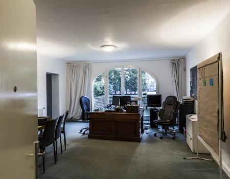 067_DE_Janie-Büro