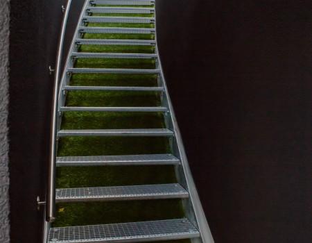 010_DE_Foster-Treppe