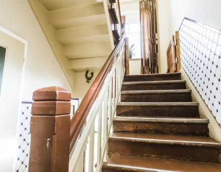067_DE_Tora-Treppe