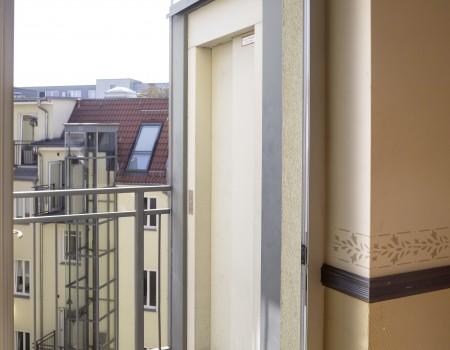 027_DE_House-Treppenhaus