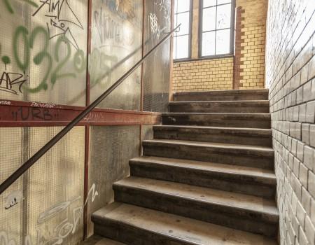 030_DE_Niska-Treppenhaus